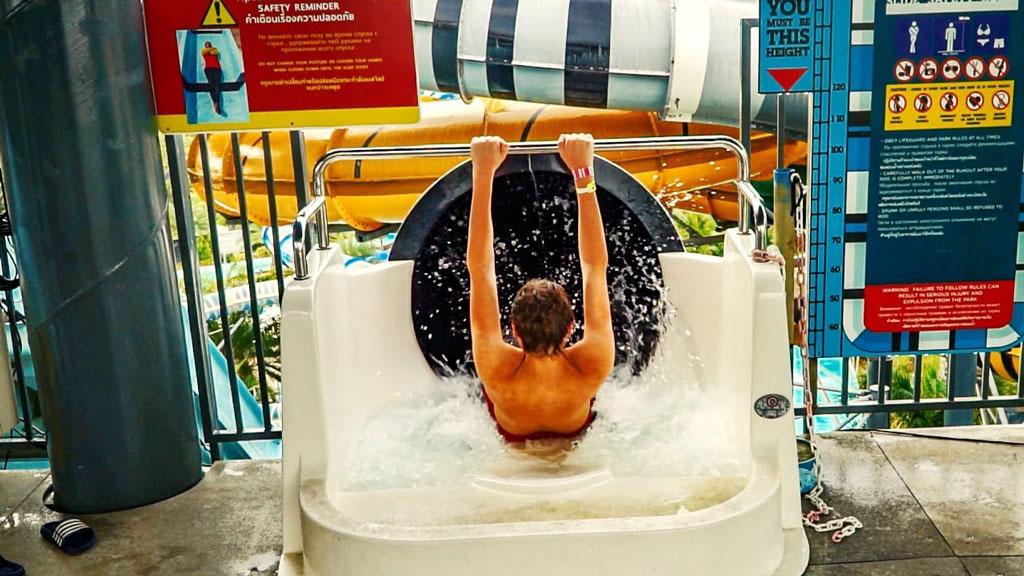XLR8-TOR water slide pattaya