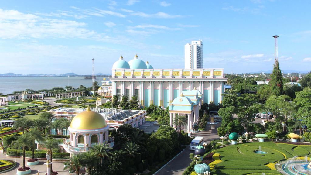 CHICKEN KING PALACE BAAN SUKHAWADEE pattaya chonburi